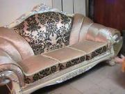 Продам гламурный диван розового цвета